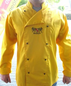Kochjacke in Gelb mit gesticktem Wappen Baden und individuellem Einstick eines Namen